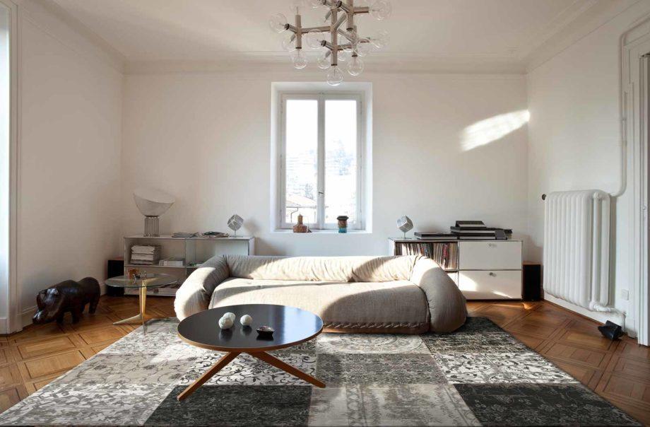 Louis De Poortere rug LX 8101 Vintage Black White interior