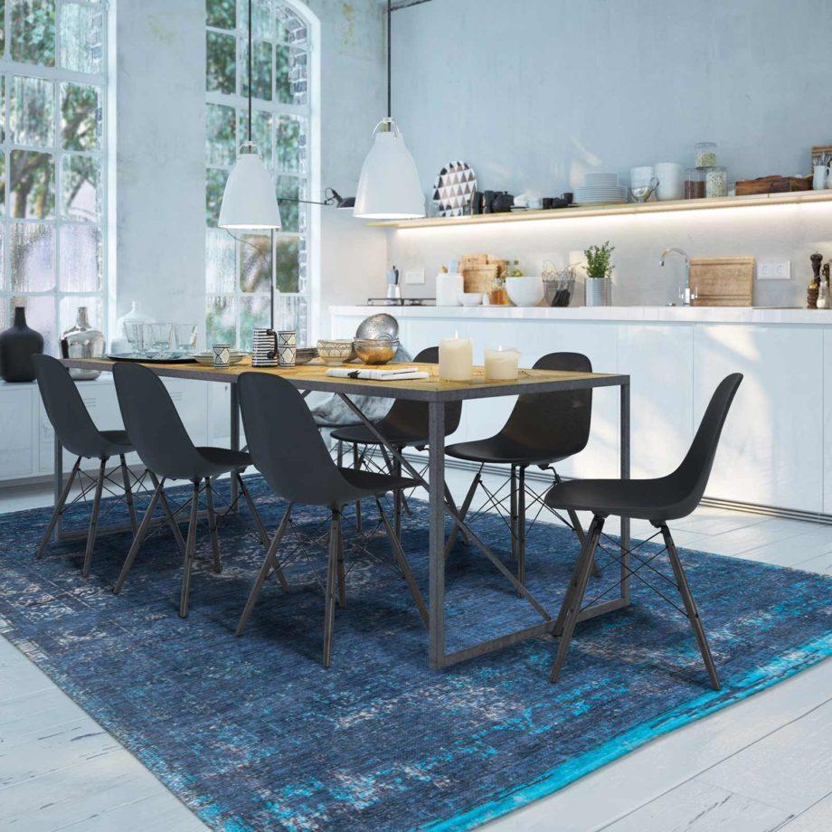 Louis De Poortere rug LX 8254 Fading World Medaillon Blue Night interior
