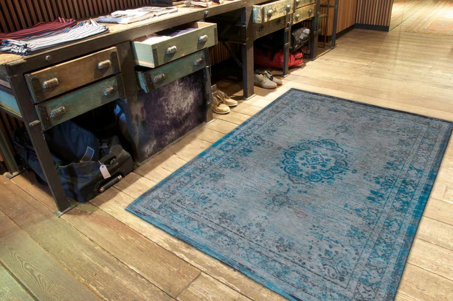 Louis De Poortere rug LX 8255 Fading World Medaillon Grey Turquoise interior 2