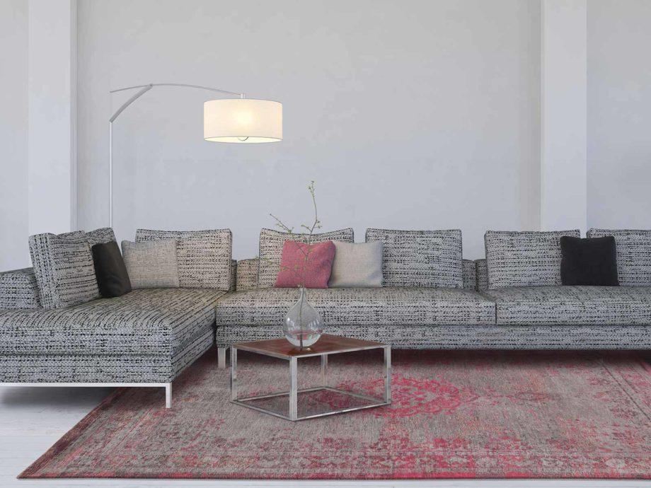 Louis De Poortere rug LX 8261 Fading World Medaillon Pink Flash interior