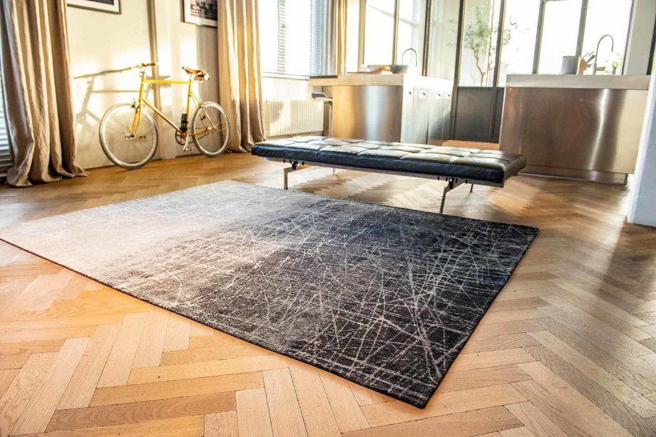 Louis De Poortere rug LX 8881 Mad Men Fahrenheit Wind Chill Grey interior