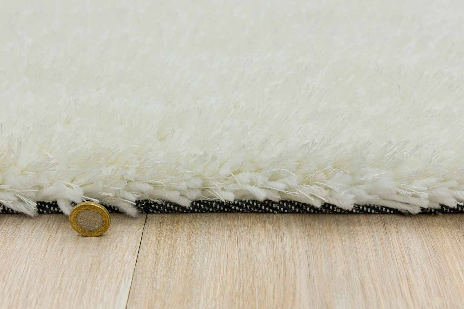 Andessi rug Mythica White detail 4
