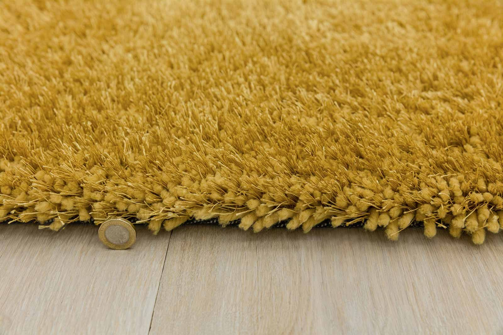 Andessi rug Mythica Yellow detail 4