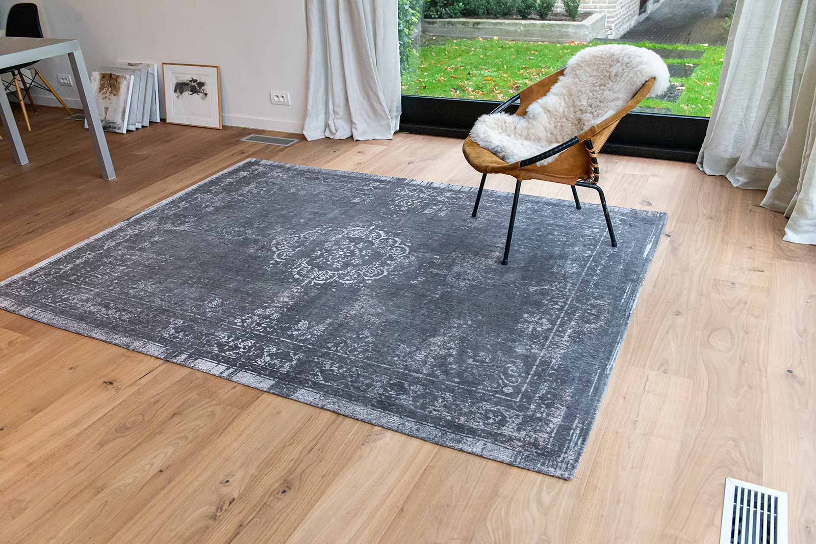 Louis De Poortere rug LX 9148 Fading World Stone interior 6